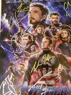 Avengers Endgame Cast (x17) Signé À La Main Chris Hemsworth 16x20 Photo