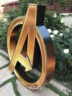 Marvel Avengers Logo Cardboard Movie Theater Display End Game 62 Pouces