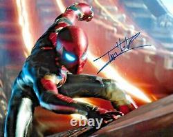 Tom Holland Spiderman L'avengers Endgame Marvel Signé 8x10 Photo Avec Dg Coa C